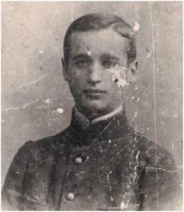 Mieczysław Zajewski. Absolwent Szkoły Handlowej
