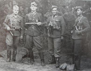 Henryk Wybranowski ,,Tarzan'', Edward Taraszkiewicz ,,Żelazny'', Mieczysław Małecki ,,Sokół'' , Stanisław Pakuła ,,Krzewina''
